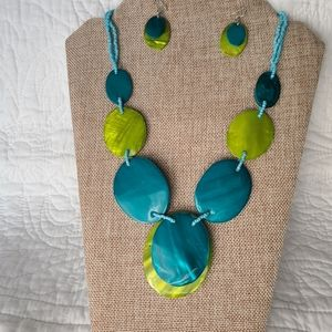 Blue and green shell dyed earring & necklace set